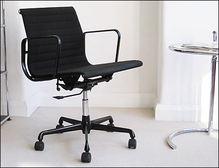 ICF Eames aluminium low backed chair in black