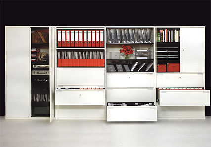 Lm Combination units at work: cupboards, shelves, drawer filing