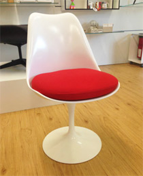 Pre-used vintage Knoll original Tulip dining chair designed by Eerio Saarinen