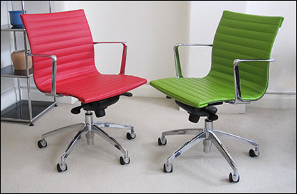 Aero-Deck low back ribbed desk chair in red and green