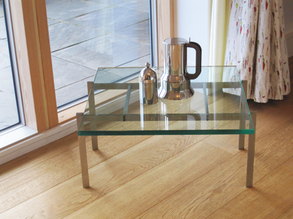 Cubis 66 glass coffee table