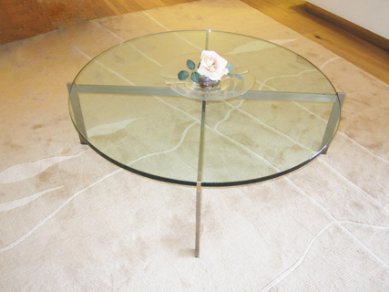 Cubis circular glass coffee table