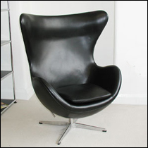 Arne Jacobsen Egg Chair in black leather