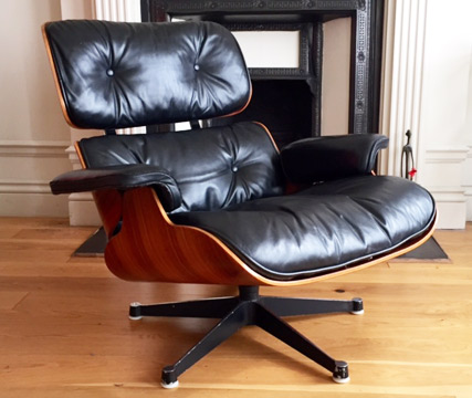 Lounge chair designed by Charles and Ray Eames and manufactured by Hille