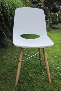 Ooland side chair in white